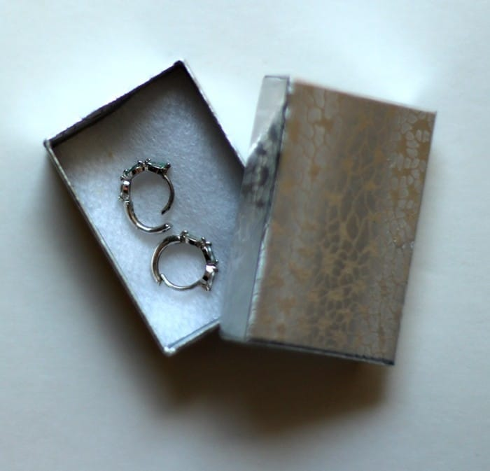 How To Pack Jewelry For Travel - Earrings Box