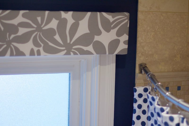 Detail of patterned window valance in bathroom. #bathroomdecor