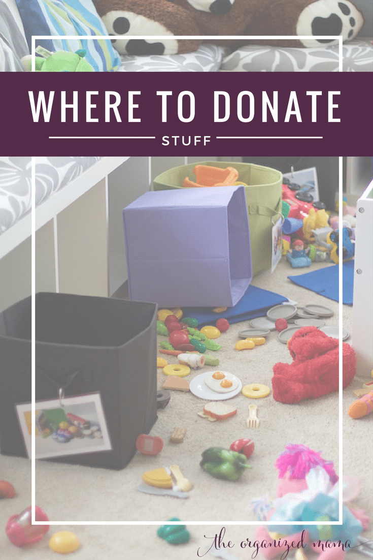 where to donate clothes chicago including full list of national and local to Chicago organizations and what they accept for donation services.