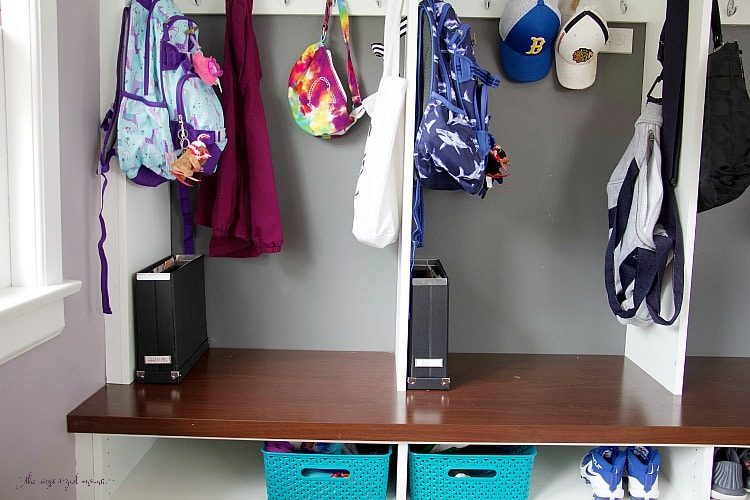 Professional organizer shares her tips for organizing school papers and effective systems to put in place so you can maintain those systems. #organized #papers