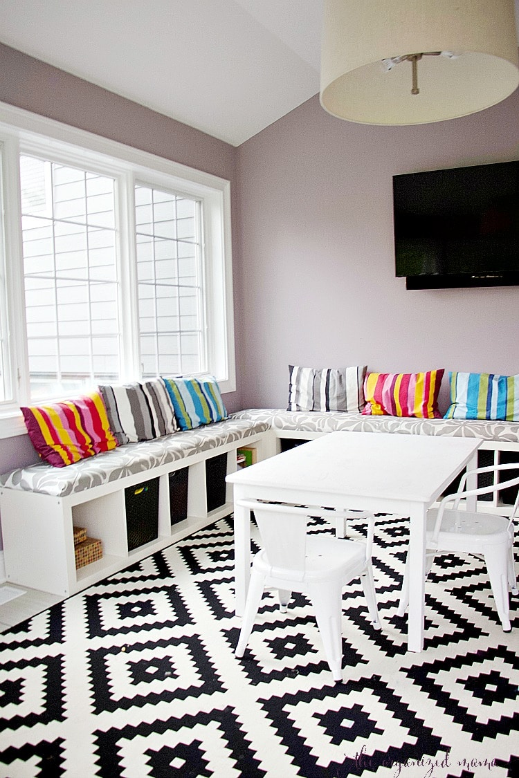 How to orgnaize a playroom with tips from a professional.
